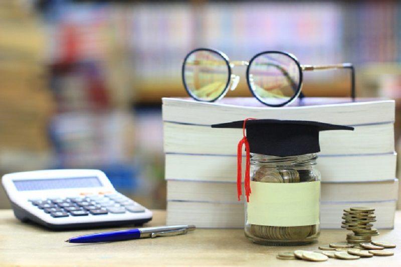 Chi phí quản lý trường tiểu học là bao nhiêu?